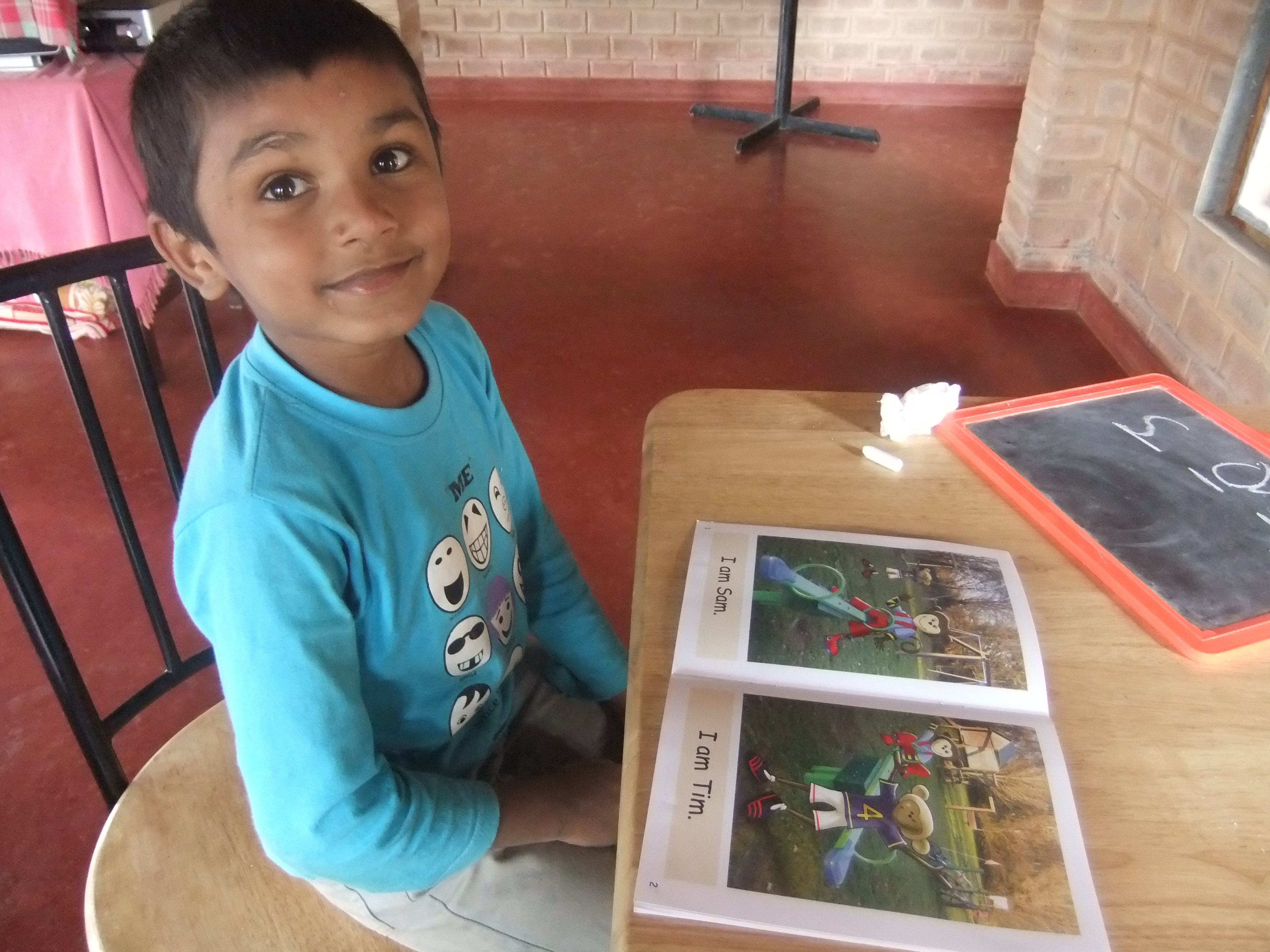 Learning to read with Dandelion Books in India